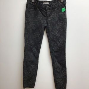 Free people 25 black printed skinny jeans